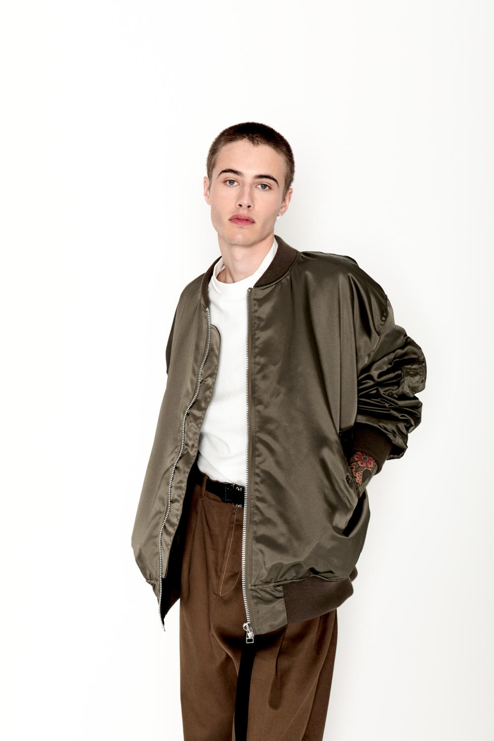 HED_MAYNER_Classic_Bomber_Jacket_SIDE3_thecelect